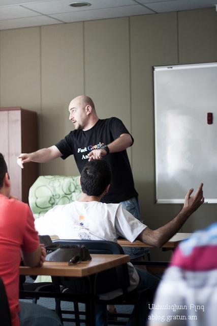 DDOS -ից պաշտպանվելու մասին Barcamp 2012, այստեղ պրոքսիի մասին է խոսքը, չնայած չի երևում նկարից :)