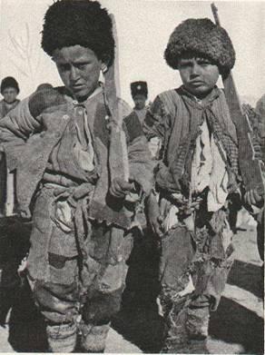 Արտեմիդի բանակի երկու փոքրիկ զինվորներ: