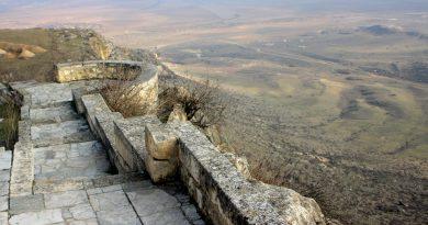 Ճամփորդություն Արցախ ֊ Տիգրանակերտ – Մաս 2 ֊ Լեռներում մի տեղ